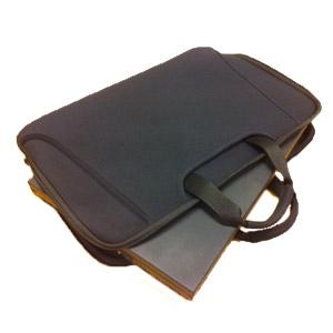 Reißverschlusstasche Mit Handgriff Und Platz Für Zubehör